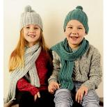 AY1541 Beanie and Scarf